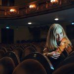 映画館と少女